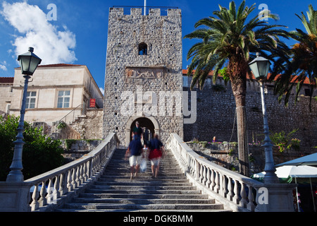 The Land Gate and Revelin Tower entrance to the old town at Korcula. - Stock Photo