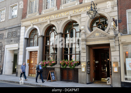The Counting House pub in Cornhill. - Stock Photo