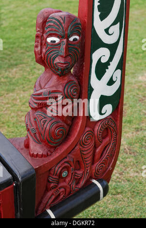 Waka, a Maori war canoe, replica from 1990, carved bow with figural representation and ornaments, Waitangi Treaty - Stock Photo