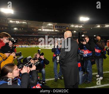 Coach Christian Gross, VfB Stuttgart football club, in the focus of the press, Mercedes-Benz Arena stadium, Stuttgart