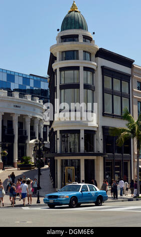 Two Rodeo Drive, Stefano Ricci store, taxi, Rodeo Drive luxury shopping street, Beverly Hills, Los Angeles, California - Stock Photo