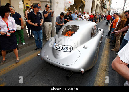 BMW 328 Mille Miglia Coupe replica, vintage cars from the BMW museum, built in 1939, Mille Miglia 2011 - Stock Photo