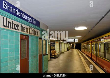 Brandenburg Gate S-Bahn station displaying old sign with former name 'Unter den Linden', Mitte quarter, Berlin - Stock Photo