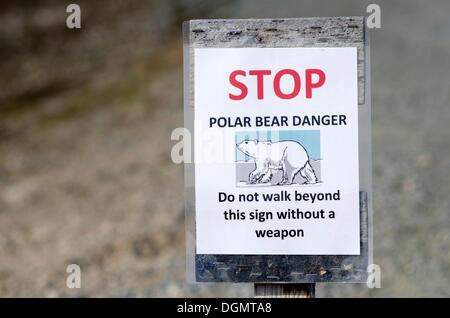 Polar bear warning sign, Kongsfjorden, Ny-Ålesund, Spitsbergen Island, Svalbard Archipelago, Svalbard and Jan Mayen, - Stock Photo