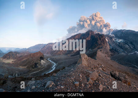 Ash cloud from Eyjafjallajoekull volcano above a glacier and Þórsmoerk valley, Eyjafjallajökull, Iceland - Stock Photo