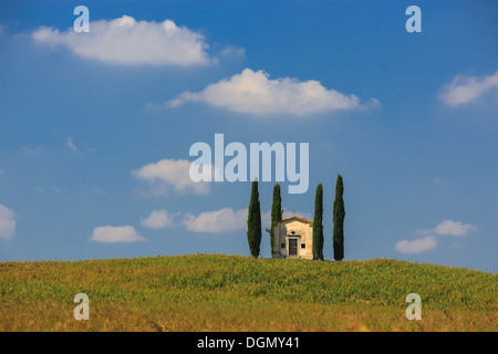 Little chapel in the heart of the Tuscany, near Pisa, Italy - Stock Photo
