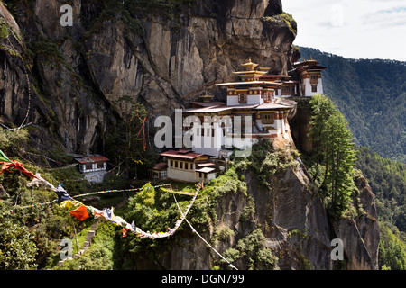 Bhutan, Paro valley, Taktsang Lhakang (Tiger's Nest) monastery clinging to cliffside - Stock Photo