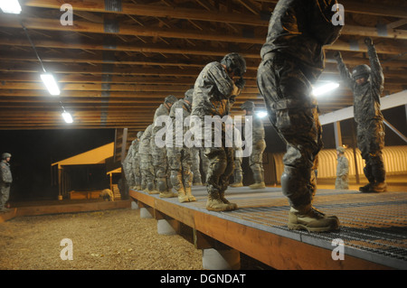 Spartan paratroopers with the 4th Infantry Brigade Combat Team (Airborne), 25th Infantry Division, conduct Parachute - Stock Photo