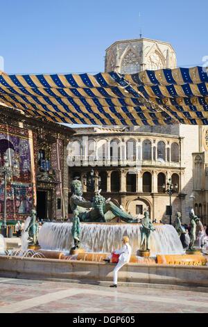 Fountain on Plaza de la Virgen, Valencia, Comunidad Valenciana, Spain, Europe - Stock Photo