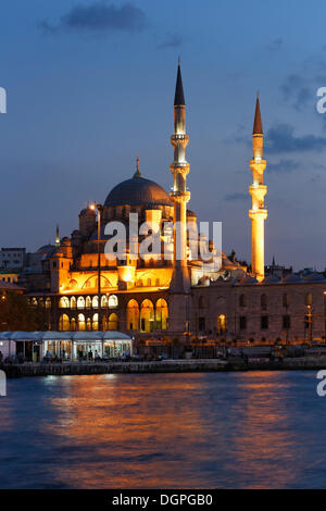 New Mosque, Yeni Cami, Golden Horn, Eminönü, Istanbul, european side, Turkey, Europe, PublicGround - Stock Photo