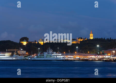 Topkapi Palace, Topkapi Sarayi, Golden Horn, Istanbul, european side, Turkey, Europe, PublicGround - Stock Photo