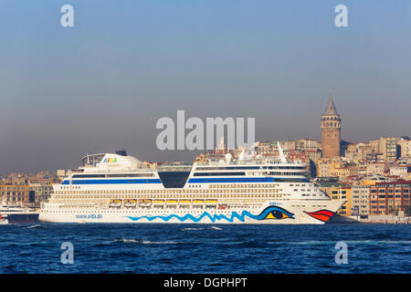 Cruise ship, AIDA diva, at Beyoğlu on Bosphorus, Galata Tower, right, Europe, Istanbul, European side, Istanbul - Stock Photo