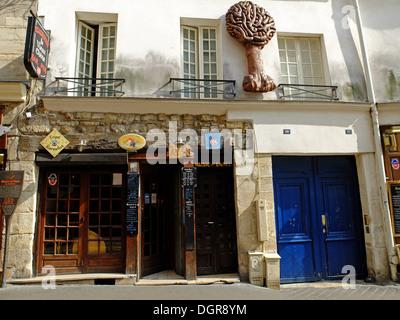 Restaurant Le Vieux Chene,Rue Mouffetard,Paris,France - Stock Photo