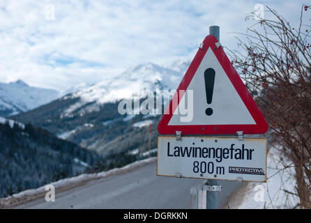 AVALANCHE HAZARD traffic sign, Tyrol, Austria, Europe - Stock Photo