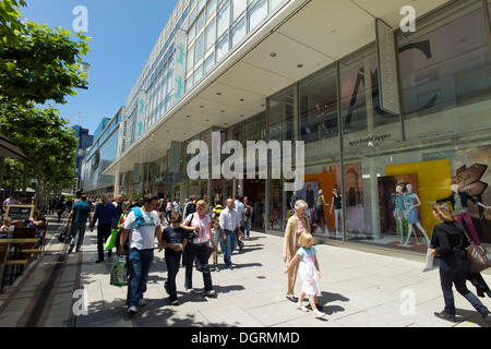 Frankfurt's Zeil, shopping street in the city centre, people shopping, Frankfurt am Main, Hesse, PublicGround - Stock Photo