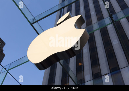 NEW YORK - the renovated Apple computer store Glass Cube on 5th Avenue in New York City, on January 9, 2012 - Stock Photo