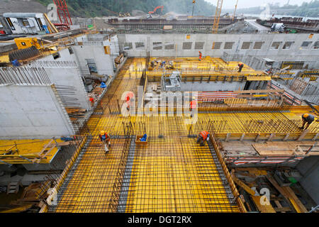 Construction site of the new hydropower plant in Rheinfelden, concreting work over the turbine chambers for the - Stock Photo