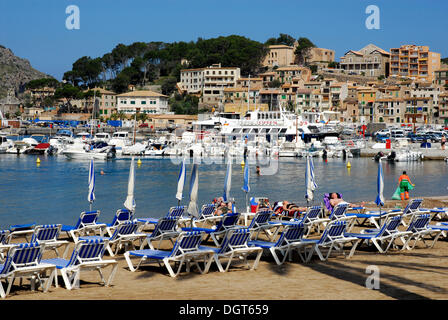 Bay with beach, the marina and the houses of Puerto Soller at back, Port de Soller, Mallorca, Majorca, Balearic - Stock Photo
