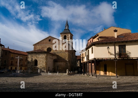 One of the most typical places of Leon. Plaza del Grano and Santa Maria del Camino church. Spain - Stock Photo