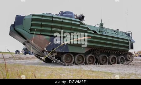 An amphibious assault vehicle with 2nd Assault Amphibian Battalion, 2nd Marine Division, waits at Onslow Beach aboard - Stock Photo
