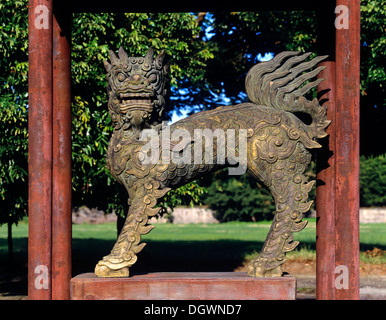 Bronze lion sculpture in the park of the Imperial Palace of Hoang Thanh, citadel, Hue, Provinz Thua Thien-Hue, Vietnam - Stock Photo