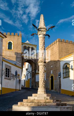 Portugal, the Alentejo, Elvas, o pelourinho in the Largo de Santa Clara square - Stock Photo
