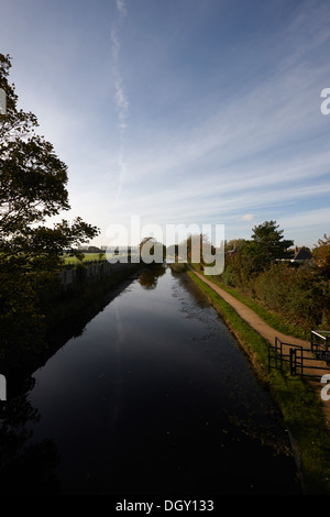 liverpool leeds canal main line at aintree - Stock Photo