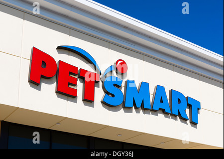 Pet Smart Store, Posner Park, near Haines City, Central Florida, USA - Stock Photo