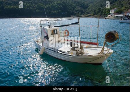 Fishing boat in the fishing village of Valun, Cres Island, Adriatic Sea, Kvarner Gulf, Croatia, Europe - Stock Photo