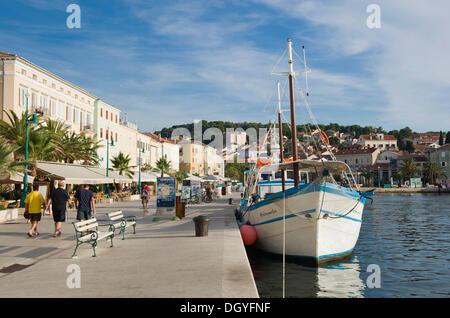 Boats at the harbour promenade of Mali Losinj, Losinj Island, Adriatic Sea, Kvarner Gulf, Croatia, Europe - Stock Photo