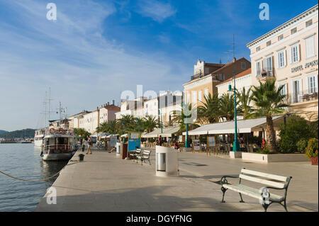 Harbour promenade of Mali Losinj, Losinj Island, Adriatic Sea, Kvarner Gulf, Croatia, Europe - Stock Photo