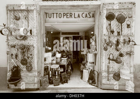 Old hardware store, San Qurico d'Orcia, Tuscany, Italy - Stock Photo