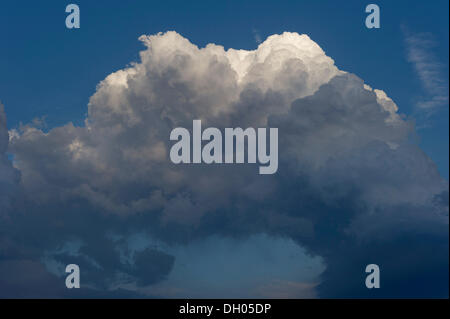 Cumulonimbus cloud, thundercloud, Marzling, Upper Bavaria, Bavaria, Germany - Stock Photo