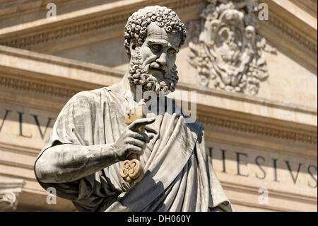 Monumental statue of Saint Peter the Apostle in front of Saint Peter's Basilica, Piazza San Pietro, St. Peter's Square