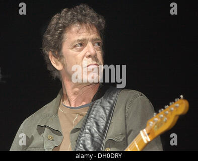 October 27, 2013 - File - LOU REED (March 2, 1942 - October 27, 2013) was an American rock musician and songwriter. - Stock Photo
