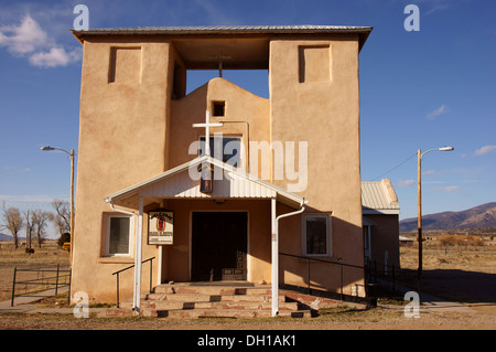 iglesia de nuestra senora guadalupe church questa nm new mexico sangre cristo mountains spanish blood of - Stock Photo