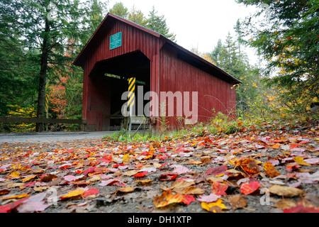 Moseley Covered Bridge in autumn, Northfield, Vermont, USA - Stock Photo