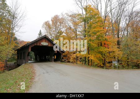 Battleground Covered Bridge in autumn, Mill Brook, Vermont, USA - Stock Photo