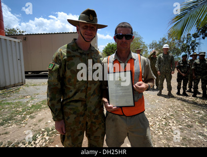 METINARO, Timor-Leste – (Oct. 25, 2013) Australian Defence Force (ADF) 1st Brigade Commander Brig. Gen. John Frewen - Stock Photo