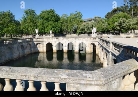 Ornamental Pool and Classical Garden Design Jardins de la Fontaine ...
