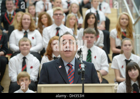 Lasswade, Scotland, UK.30th October 2013.  First Minister Alex Salmond at official opening of Lasswade High School - Stock Photo