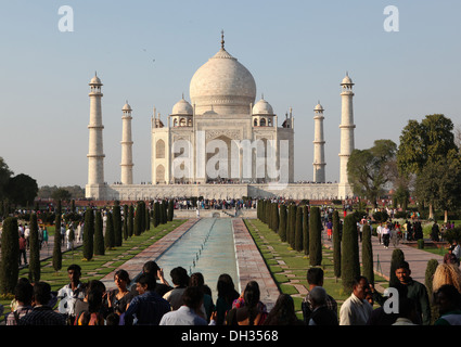 Tourists in front of the Taj Mahal, Agra, Uttar Pradesh, India, Asia - Stock Photo