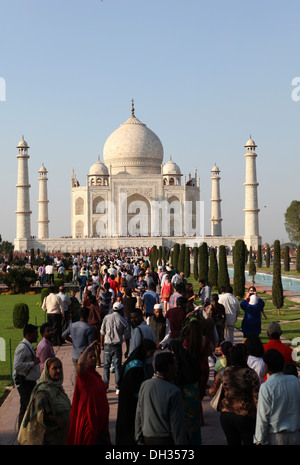Tourists in front of the Taj Mahal, Agra, Uttar Pradesh, India, Asia - Stock Photo