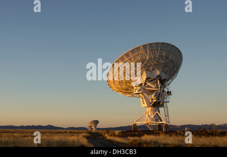 Antennas of the Very Large Array,  one of the world's premier astronomical radio observatories, near Socorro, New - Stock Photo