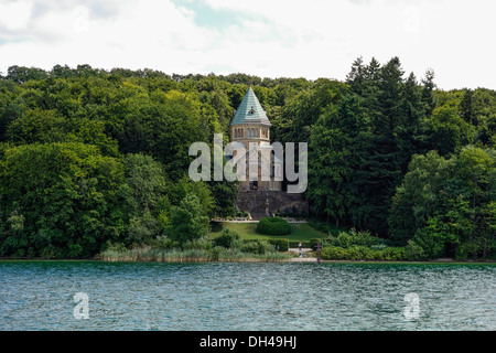 Votive chapel at Lake Starnberg, site where King Ludwig II of Bavaria was found dead, Upper Bavaria, Germany - Stock Photo
