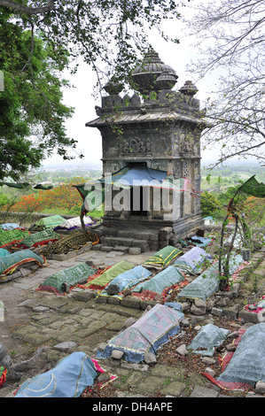 graves Hajrat nuri shah pir darga in junagadh gujarat India Asia - Stock Photo