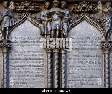 Wittenberg, Germany. 31st Oct, 2013. The famous thesis door of the castle church in Wittenberg, Germany, 31 October - Stock Photo