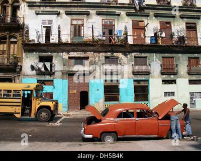 Car repair, Havana, La Habana Vieja district, Cuba, Greater Antilles, Caribbean - Stock Photo