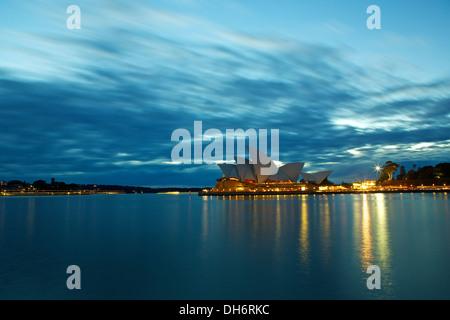 Dawn over the Sydney Opera House. - Stock Photo