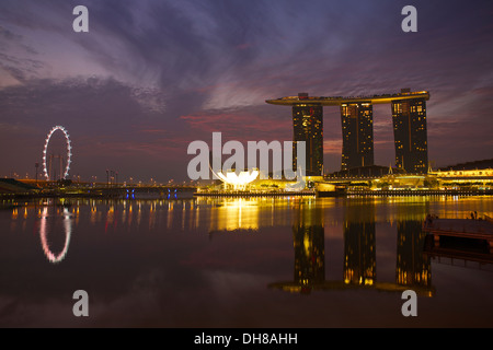 Marina Bay, The Sands and The Singapore Flyer at Dawn. - Stock Photo
